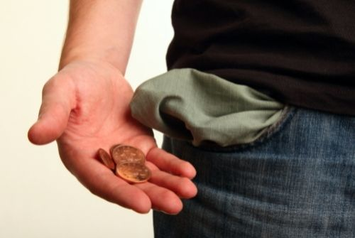 Humour…Frais bancaires. Un rapport annuel prétend que les choses s'améliorent.